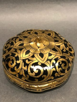 Tibet old Good Gilt Lacquer Box